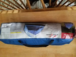 3 person tent with twin Electric self-filling air mattress no pump required for Sale in Central Falls, RI