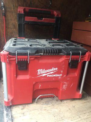 Caja para herramientas nueva solo tiene polvo asoló $70 for Sale in Falls Church, VA