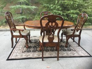 Beautiful dining table set with 4 chairs for Sale in Fairfield, CA