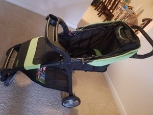Cosco travel system.. with car seat for Sale in Riverview, FL
