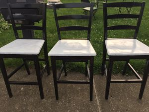 3 chairs without table for Sale in Cleveland, OH