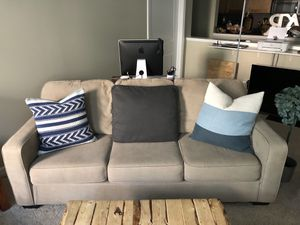 Year old great condition three pillow couch. for Sale in GRANDVIEW, OH