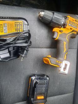 DEWALT Hammer Dril Con Cargador I BATERIA #2 for Sale in Silver Spring,  MD