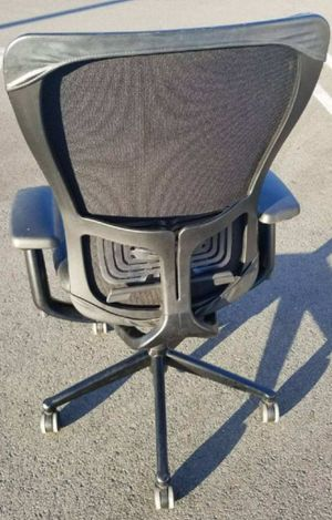 OFFICE CHAIR WITH GREAT BACK SUPPORT! LIKE NEW for Sale in Norco, CA