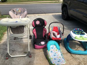 Car seat for Sale in Lawrenceville, GA
