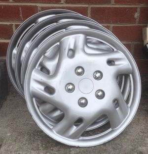 "16"" Universal Plastic Hubcaps Wheel Covers for Sale in Hyattsville, MD"