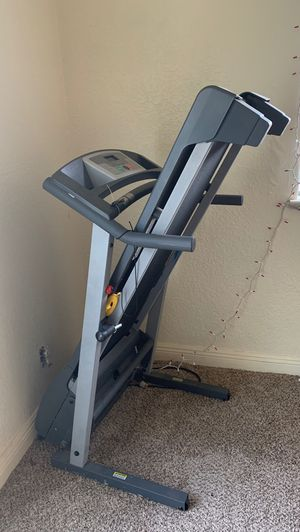 Golds gym treadmill for Sale in Tracy, CA