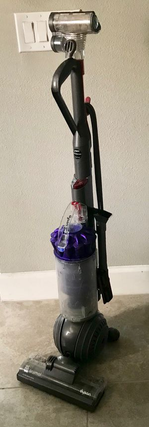 Dyson DC40 animal ball vacuum for Sale in Palmetto, FL