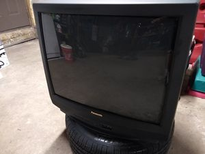 "27"" Panasonic TV - FREE for Sale in Duncannon, PA"