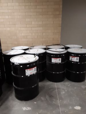 55 gallon Drums with lids Ten dollars each for Sale in Brookshire, TX