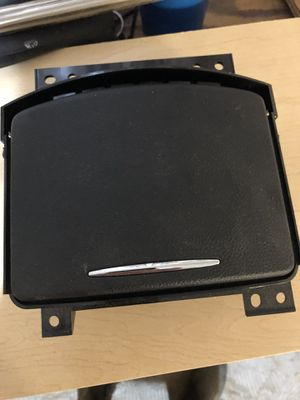 Cup holder assembly. Fits Infiniti G35 2007-08, G37 2008-09 for Sale in Waddell, AZ