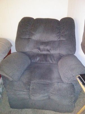 Entertainment sofa and recliner for Sale in Alton, IL