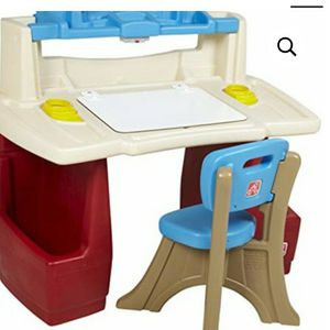 Step 2 Kids Art Desk for Sale in Burlington, NJ