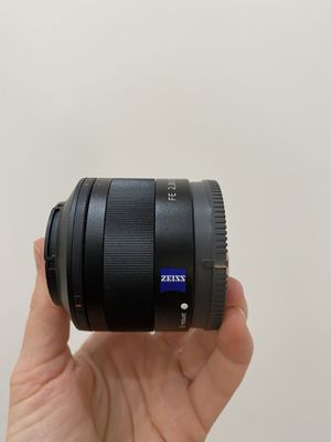 Sony 35mm F2.8 Full Frame Fixed Lens for Sale in Los Angeles, CA