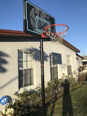 Basketball hoop - Adjustable for Sale in Fort Lauderdale, FL