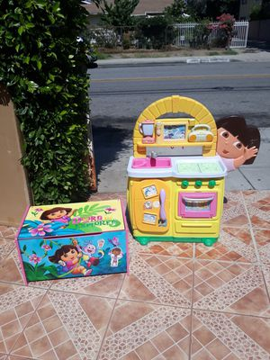 Kitchen/chest toys for Sale in Arcadia, CA