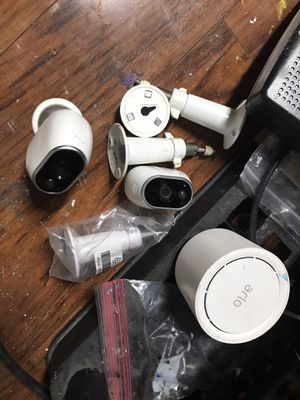 Arlo pro two camera system w base for Sale in Fort Worth, TX