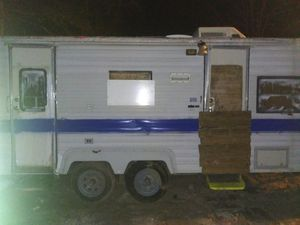18 ft pull behind camper for Sale in Clanton, AL