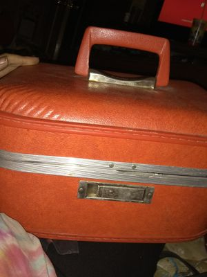 Vintage~ Orange Trogan brand hard-shell case for Sale in Culloden, WV
