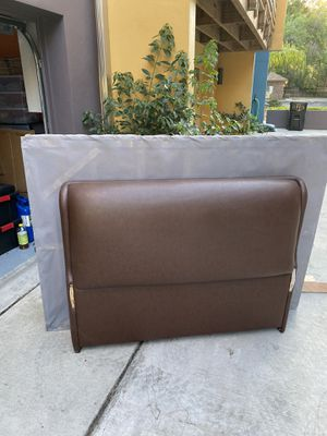 Bed frame for Sale in Orlando, FL