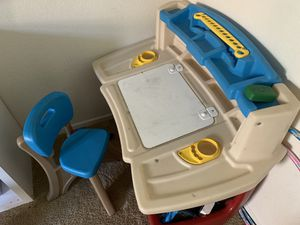 Step 2 Kids Desk for Sale in Jurupa Valley, CA
