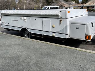 /l2004 West Lake Fleetwood/rv for Sale in Union City,  CA
