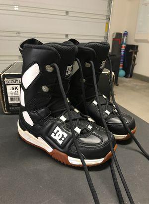 DC kids snow boots for Sale in San Bernardino, CA