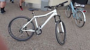 nice Mount Cube bike for Sale in North Bethesda, MD