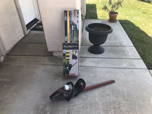 Task Force 22-in Corded Electric Hedge Trimmer for Sale in Chula Vista, CA