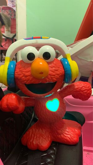 Elmo Dance and sing Toy for Sale in Chicago, IL