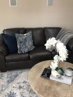 Leather couch - pull out bed for Sale in Voorhees Township,  NJ