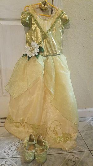Tiana dress. Vestido de tiana . for Sale in Houston, TX