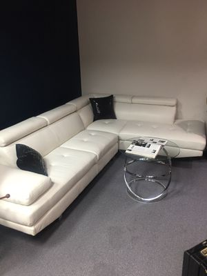 Leather Couch Sectional (white/modern) for Sale in Fort Worth, TX