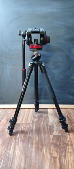 Manfrotto 190xProb tripod for Sale in Beverly Hills,  TX