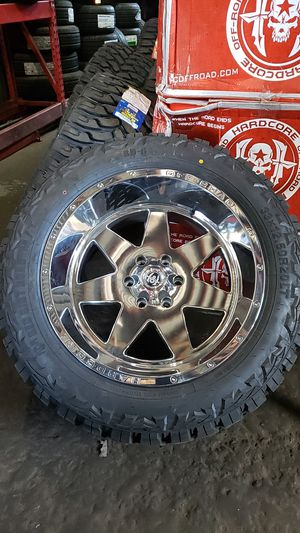 20x12 Chrome hardcore offroad rims 6 lug 6x139 whit New MUD tires 33 1250 20 lt for Sale in Phoenix, AZ