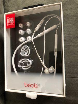 Beats wireless headphones for Sale in Dearborn, MI