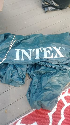 Free Intek pool cover for 10' pool for Sale in Auburn, WA