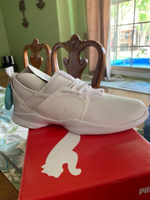 Puma women's shoes size 8.5 for Sale in Glendale, AZ