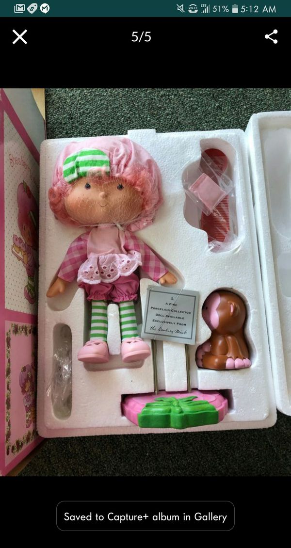 Strawberry Shortcake collectables