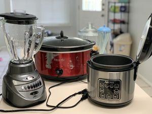 Crock pot slow cooker rice steamer oster blender for Sale in Austin, TX