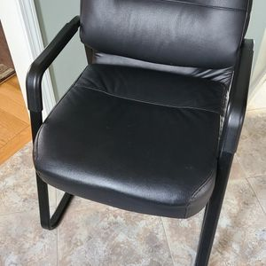 HON reception chair, like new for Sale in Tyngsborough, MA