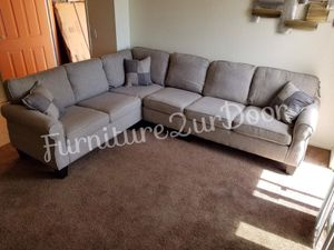 New Light Grey Fabric Reversible Sofa Sectional Couch - Financing Available for Sale in Moreno Valley, CA