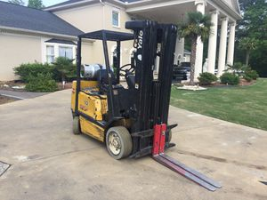Yale model forklift 4 stage mass runs and drives great for Sale in Duluth, GA