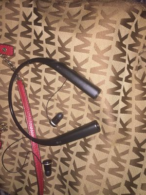 LG Headphones (Bluetooth) for Sale in Bayonne, NJ