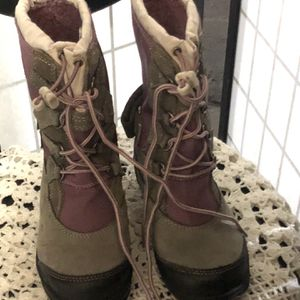 Girls Insulated Snow Boots for Sale in West Covina, CA