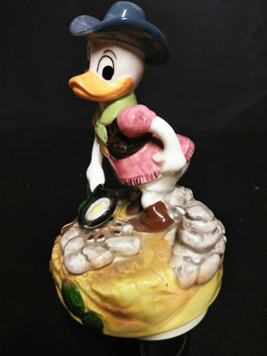 "Vintage ""Daisy Duck"" music box for Sale in Wolcott, CT"
