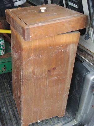 Wood box for Sale in Farmville, VA