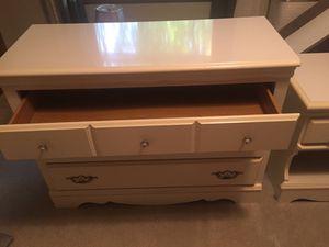 Girls dresser $50 and bedside table $35 for Sale in Lansing, MI