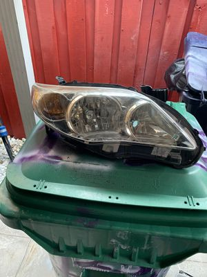 2013 corolla s headlights for Sale in Miami, FL