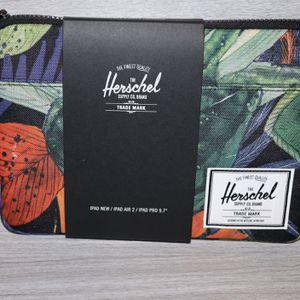 Herschel Anchor Sleeve for MacBook/iPad, Watercolour, Air (Watercoluor) for Sale in Vernon, CA